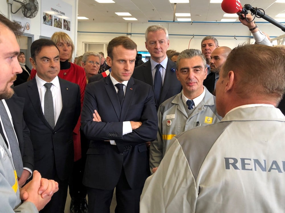 Macron, Abe Discuss Japan's Investigation of Carlos Ghosn