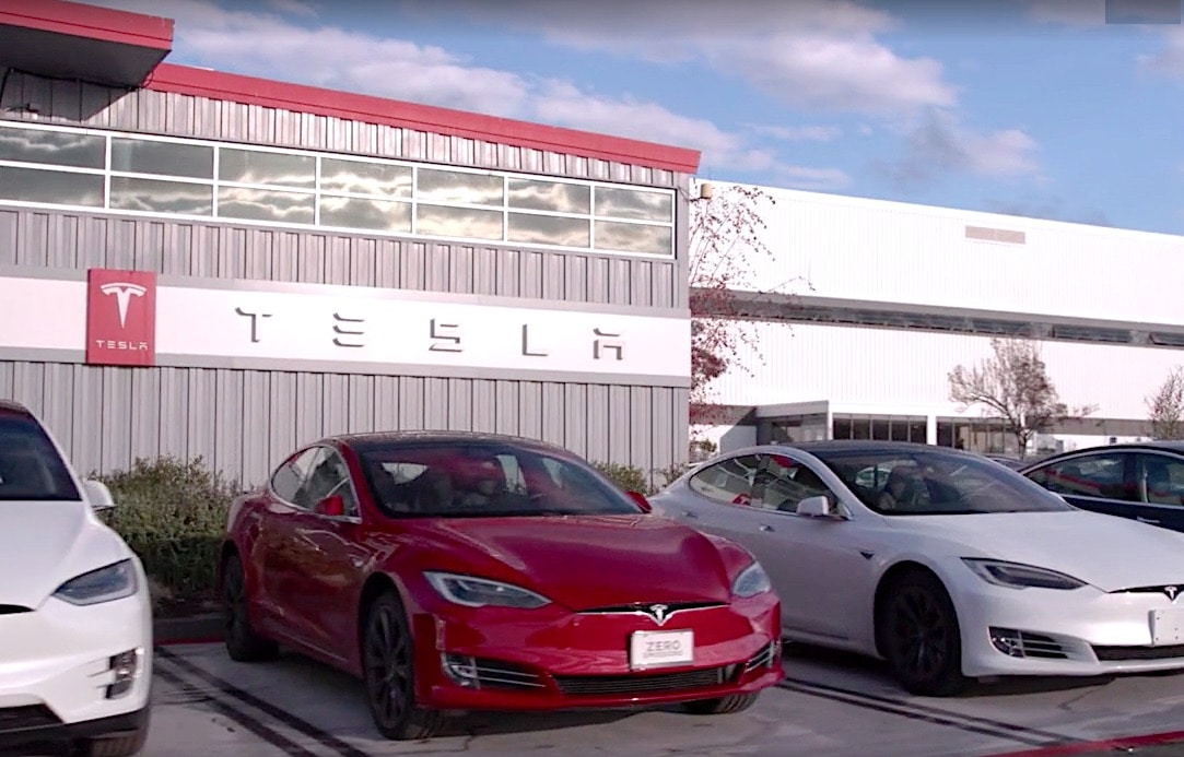 Tesla Warns California Owners to Fully Charge Cars Due to Power Outage