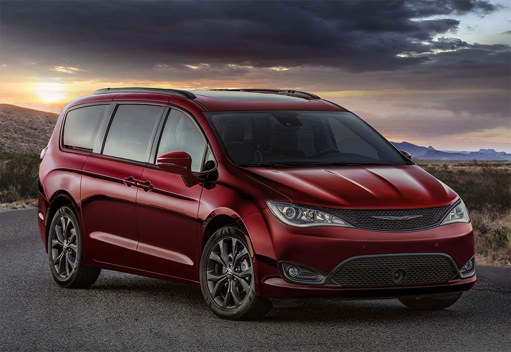 FCA Debuting Special Anniversary Minivans in Chicago