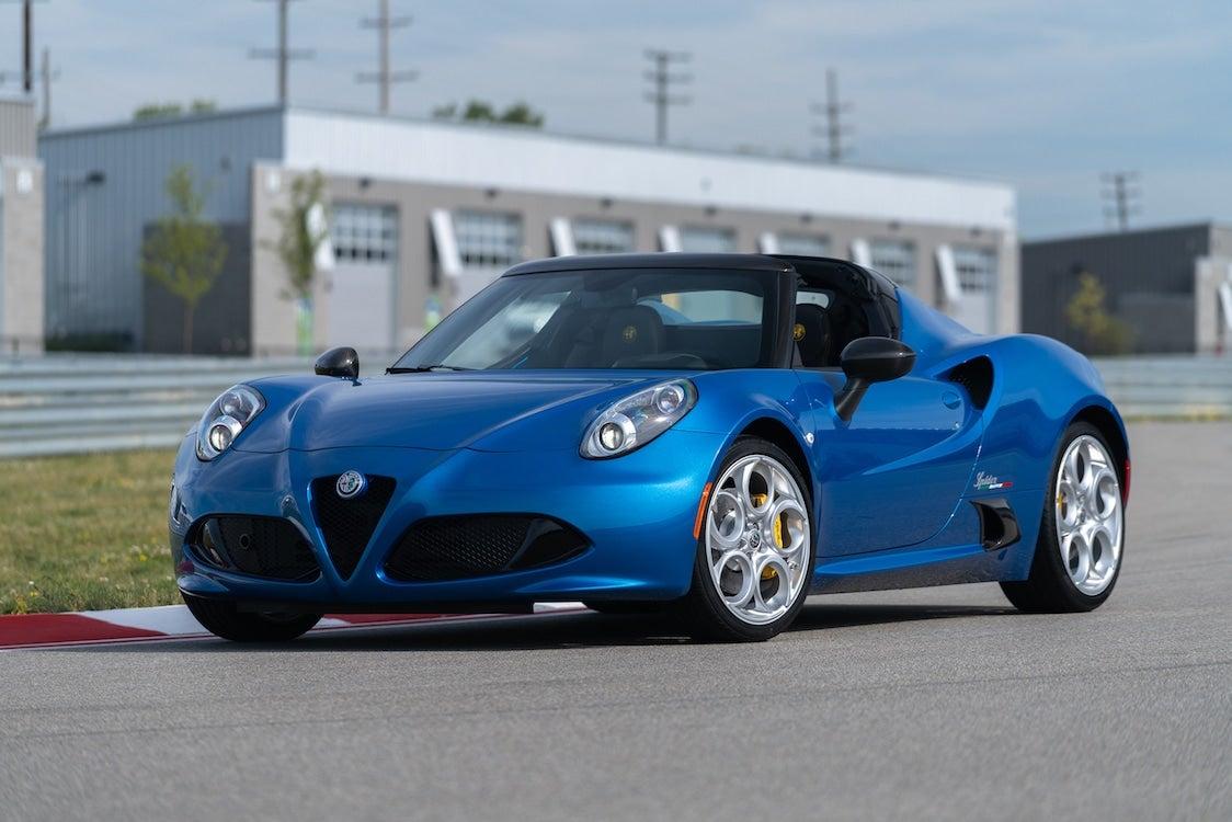 Alfa Romeo Bringing Back 4C Spider for 2020