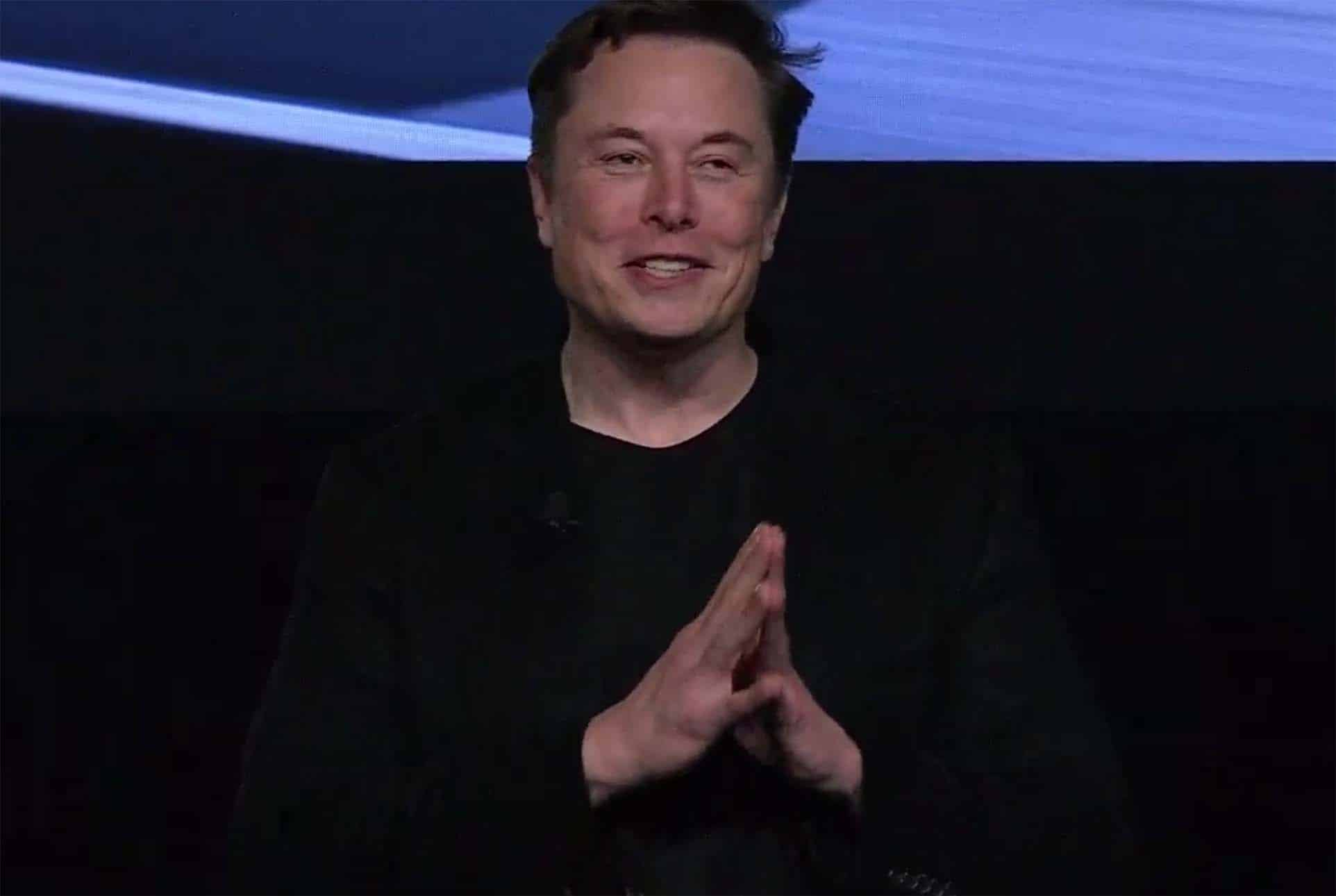 """Tesla CEO Musk Set to Announce """"Full Self-Driving"""" Vehicle Today"""