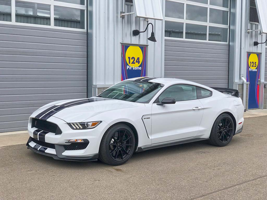 first drive 2019 ford mustang shelby gt350. Black Bedroom Furniture Sets. Home Design Ideas