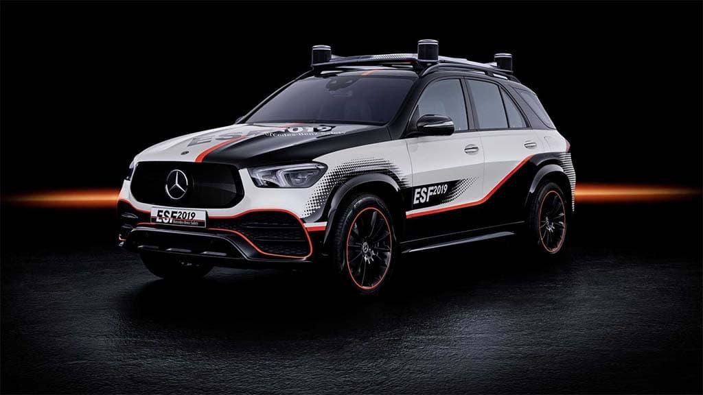 Mercedes' Electric, Semi-Autonomous ESF 2019 Concept Debuts Over a Dozen Potential Safety Breakthroughs