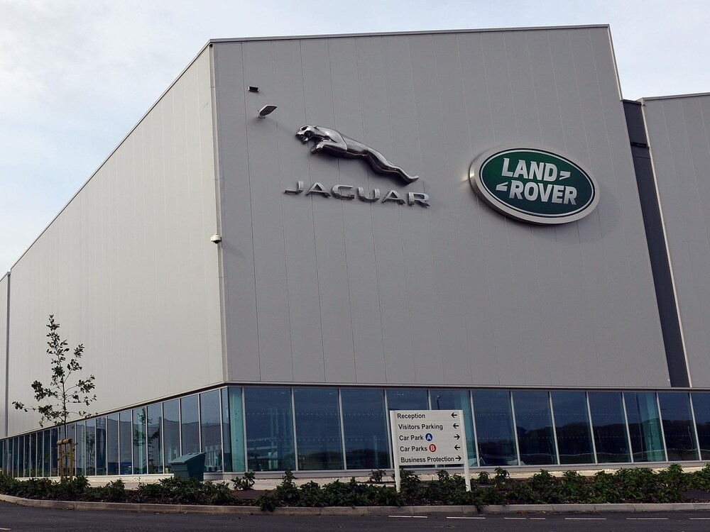 Jaguar Land Rover Taps Chinese Banks for $705M in Pandemic Funding