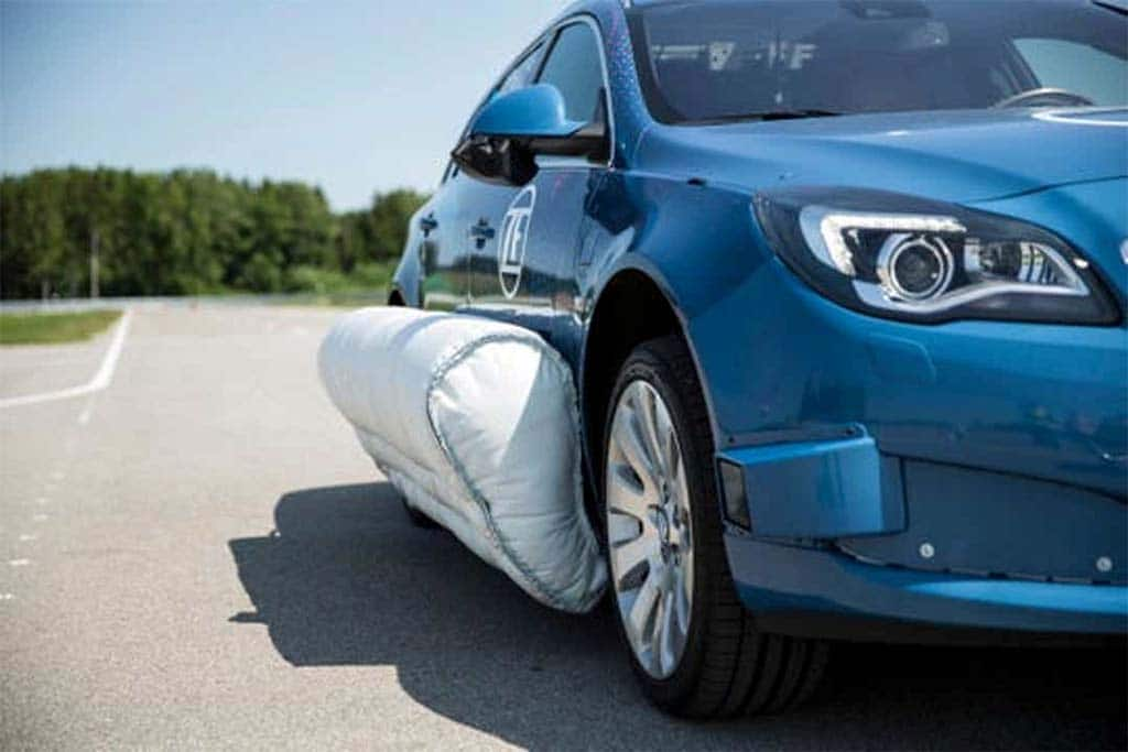Exterior Airbags Could Save Lives of Passengers and Pedestrians