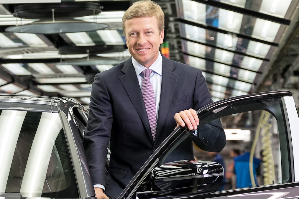 BMW's New CEO Zipse Urges Employees to Beat Mercedes