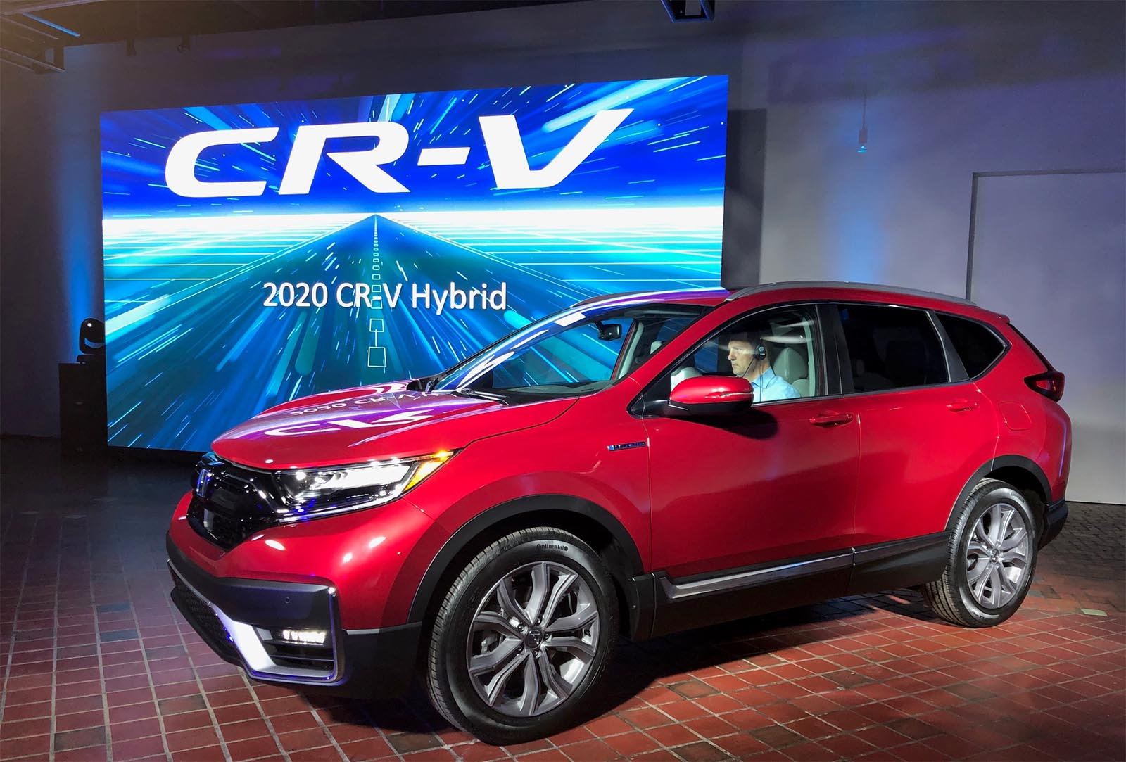 First Look: 2020 Honda CR-V Hybrid | TheDetroitBureau.com