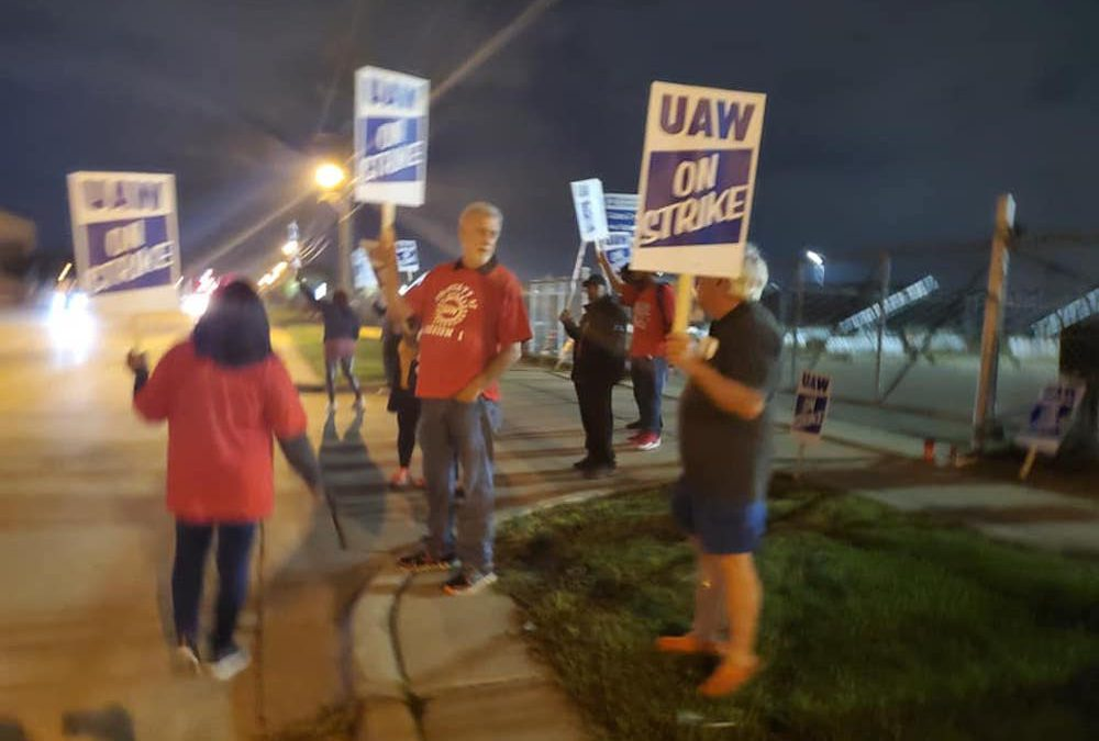 UAW, GM Locked in an Expensive Battle About Contract Terms
