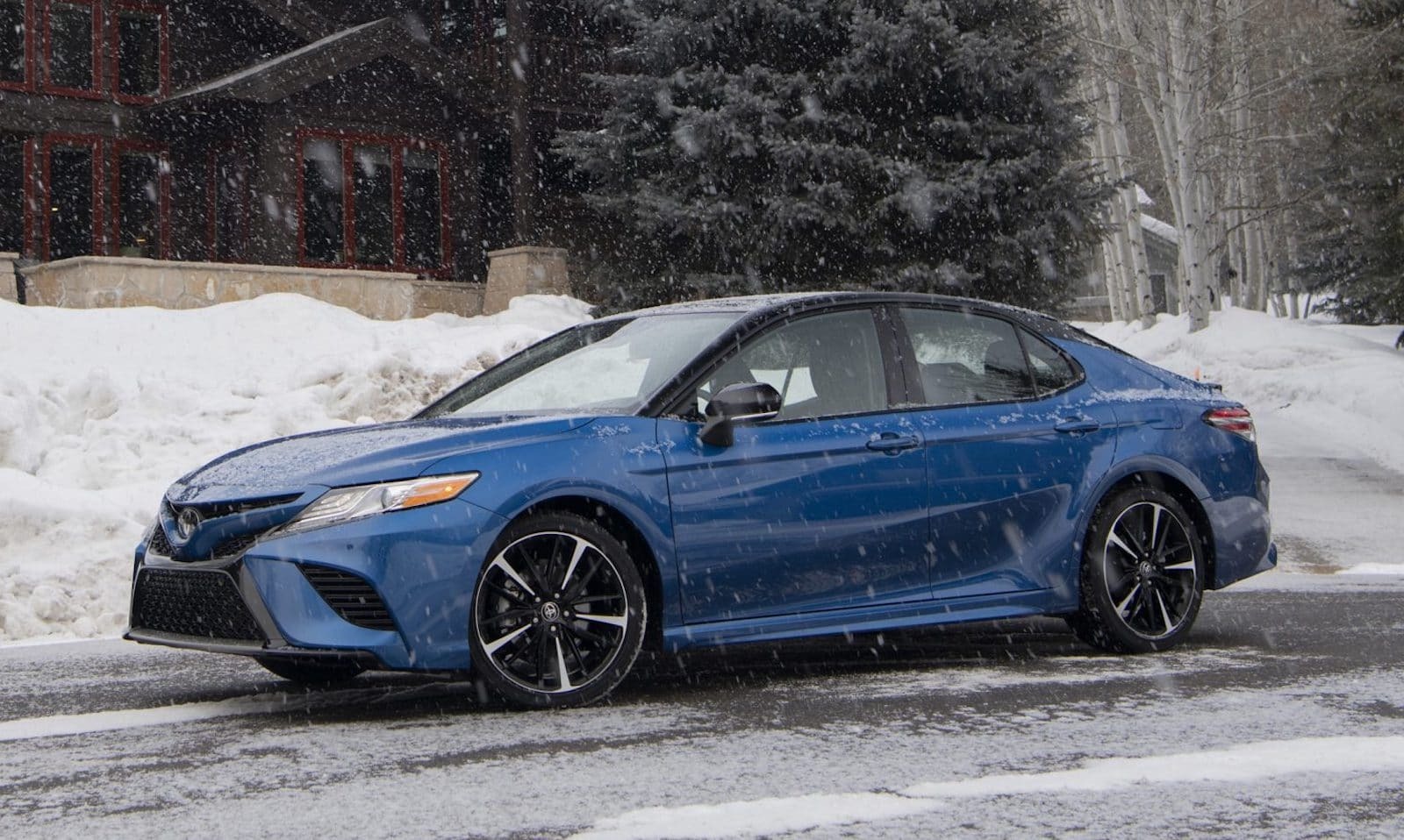 First Drive 2020 Toyota Camry Awd Xse The Detroit Bureau