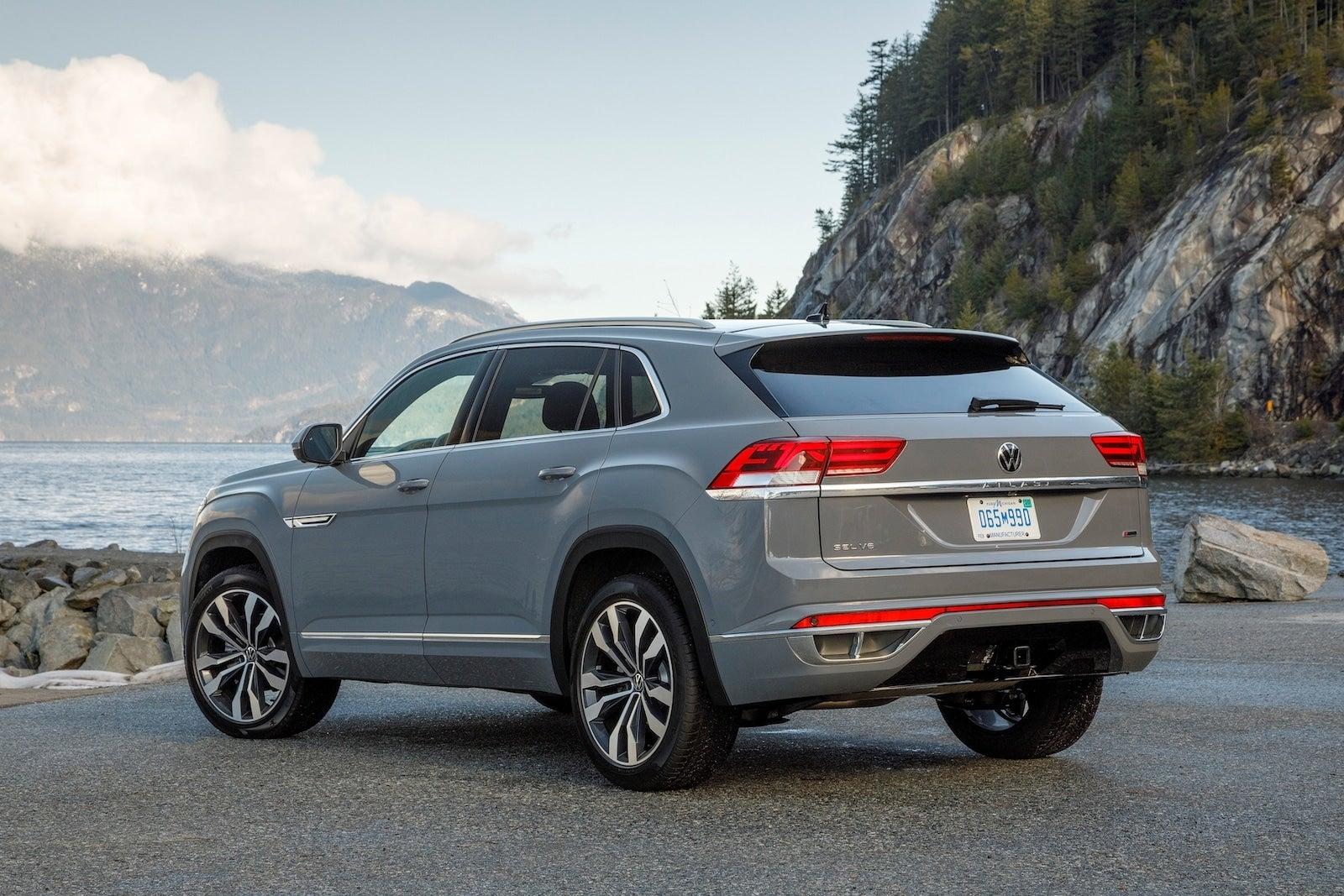 A Week With 2020 Volkswagen Atlas Cross Sport R Line The Detroit Bureau