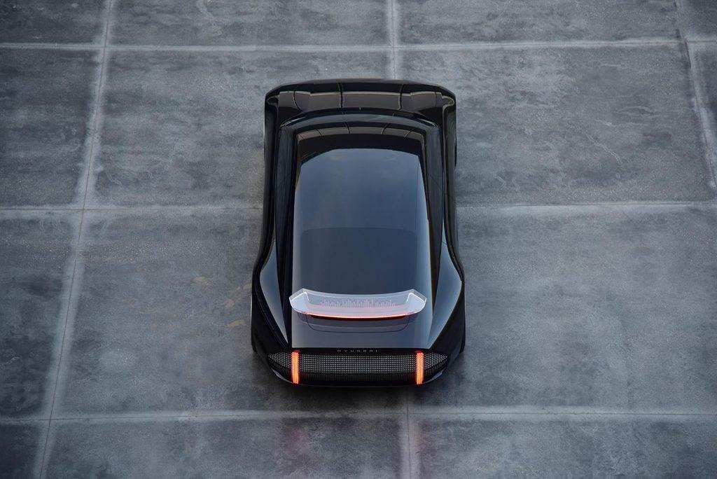 Hyundai Ioniq 6 top