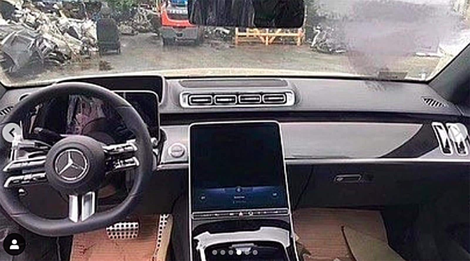 Sans Camo: Barely Disguised 5 Mercedes-Benz S-Class Leaks Out