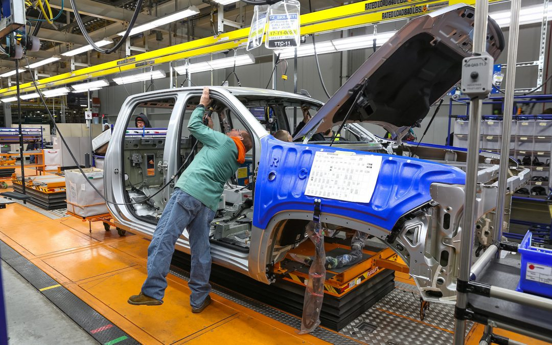 GM, Ford Shift More Than 1K UAW Workers to Permanent Status