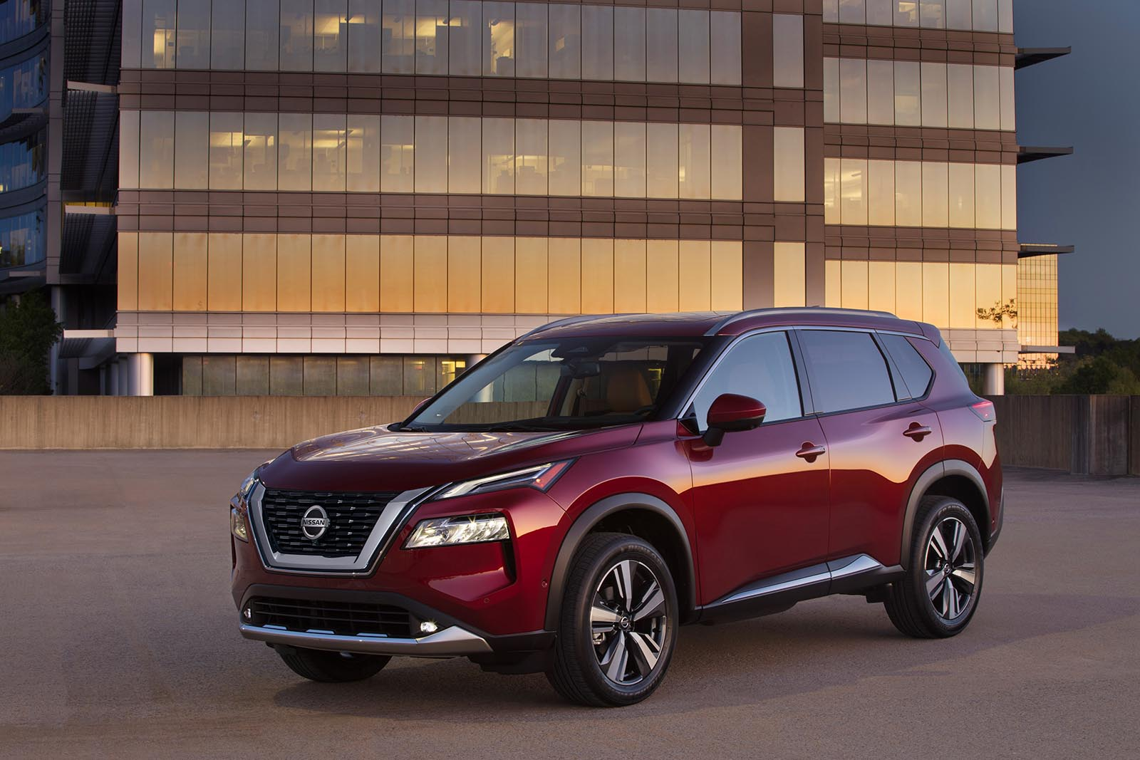 nissan going rogue – again – and here's a 1st look at the