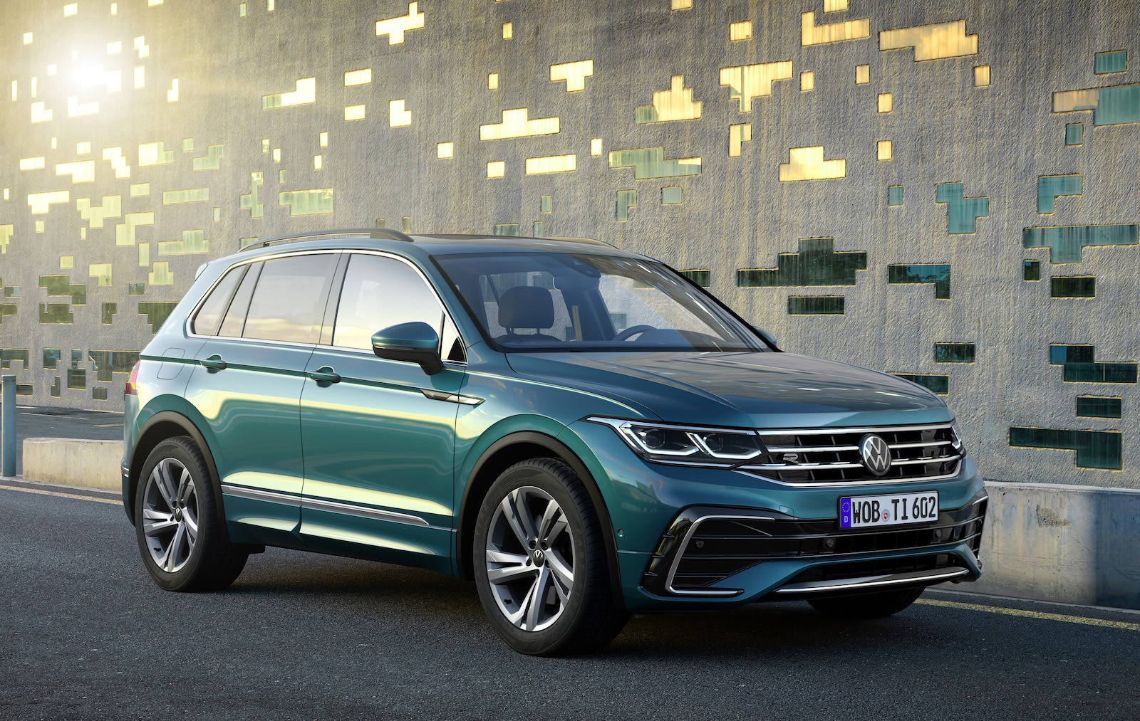 Volkswagen Tiguan looks like a Golf on stilts