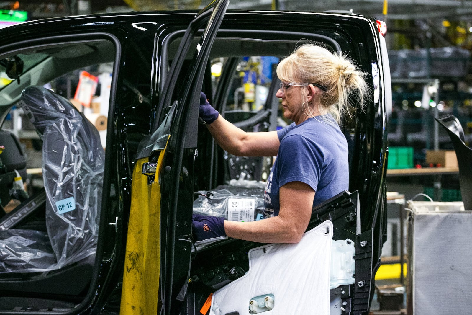 GM is Using Salaried Workers to Fill Holes at Pickup Plant