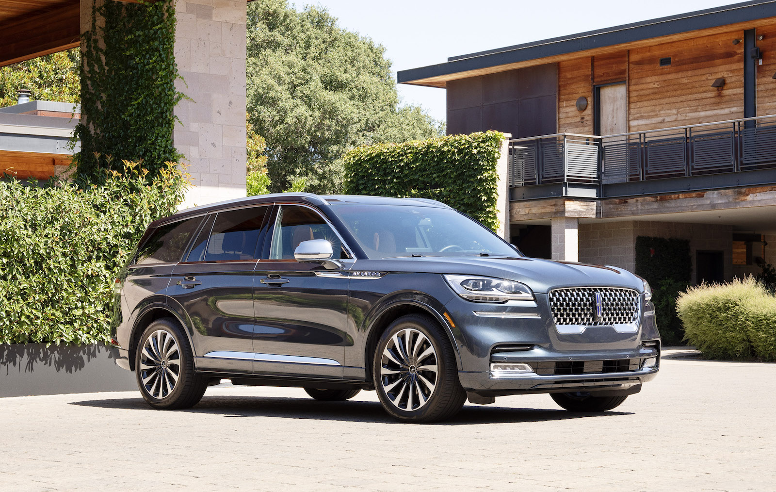 A Week With 2020 Lincoln Navigator Black Label Grand Touring Awd The Detroit Bureau