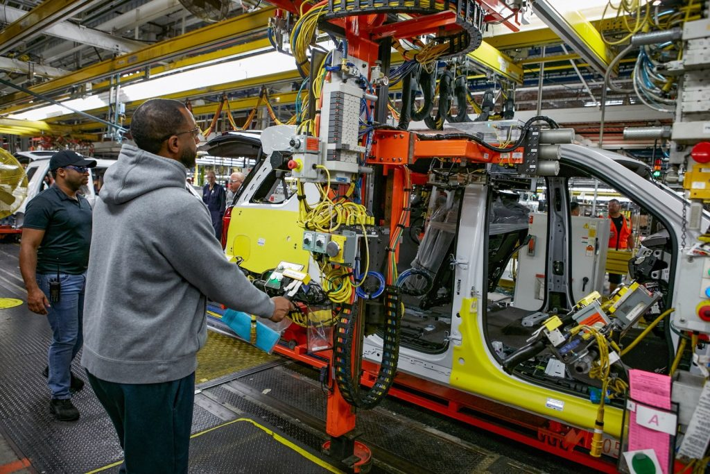 Pilot assembly of the 2021 Chevrolet Tahoe at GM's Arlington Assembly plant