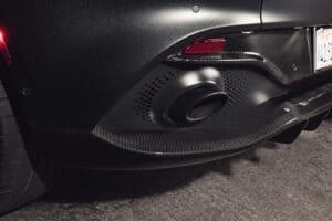 2021 Aston Martin DBX tail pipe