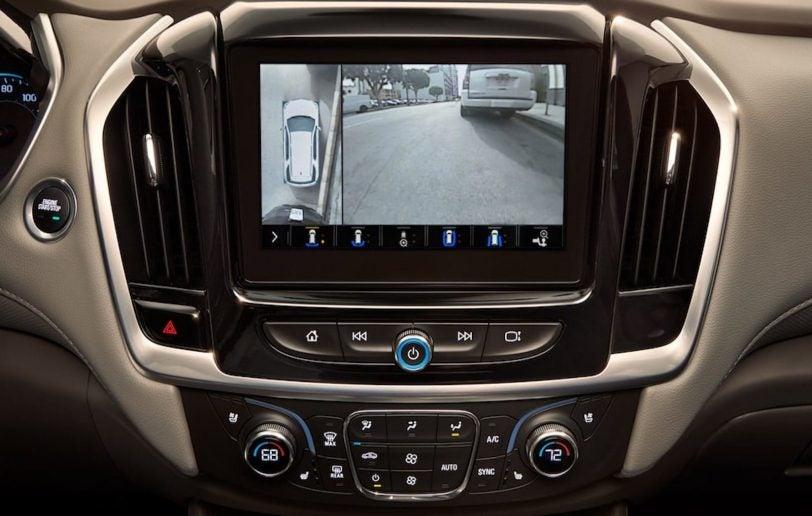 2021 Chevrolet Traverse touchscreen