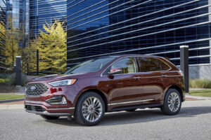 2021 Ford Edge Titanium front