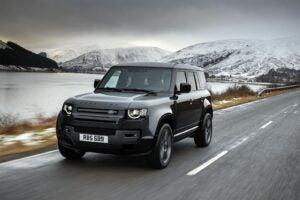 Land Rover Defender 110 V-8 - driving