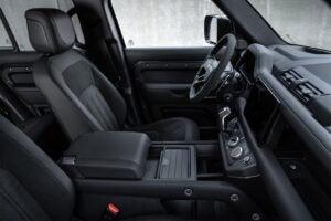 Land Rover Defender 110 V-8 - interior