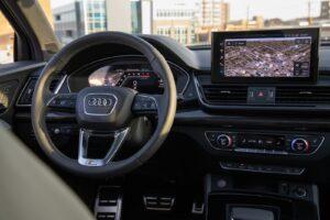 2021 Audi SQ5 cockpit