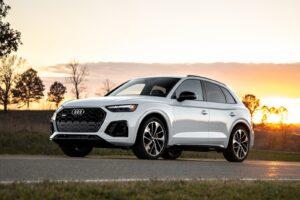 2021 Audi SQ5 front