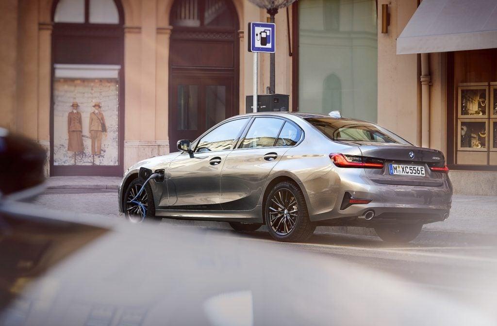 2021 BMW 330e rear