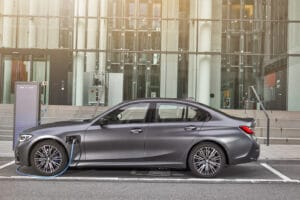 2021 BMW 330e side charging