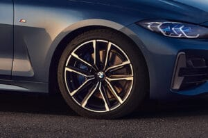 2021 BMW M440i xDrive wheel