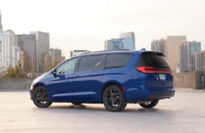 2021 Chrysler Pacifica Limited AWD S rear