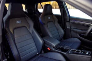 2022 VW Golf R winter seats