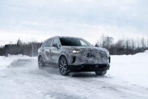 Camoflaged Infiniti QX60 winter driving