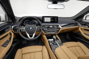 Interior del BMW 540i xDrive 2021