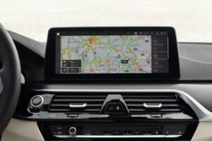 2021 BMW 540i xDrive touchscreen