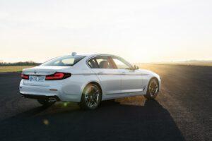 2021 BMW 540i xDrive white rear