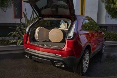 2021 Cadillac XT4 cargo