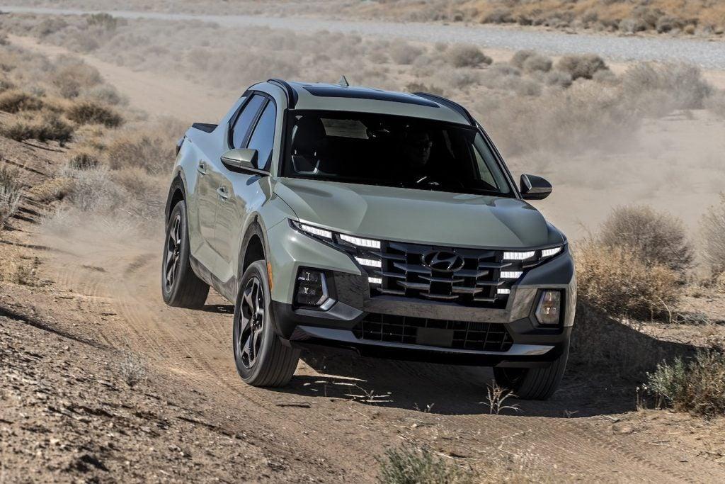 2022 Hyundai Santa Cruz driving front
