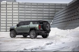 2024 GMC Hummer EV SUV rear