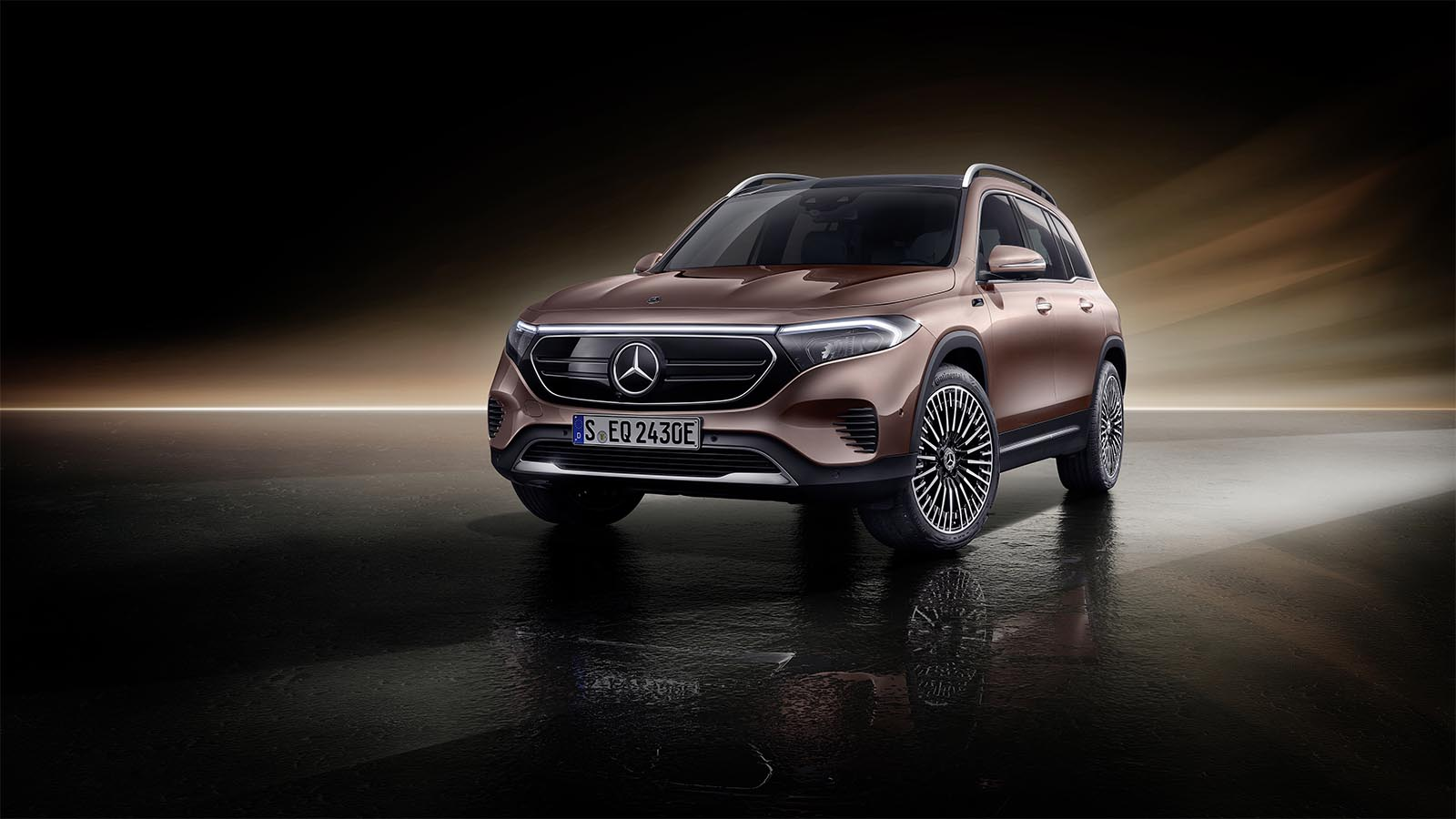 With EQB, Mercedes Launches Third All-Electric Model This Year - The Detroit Bureau