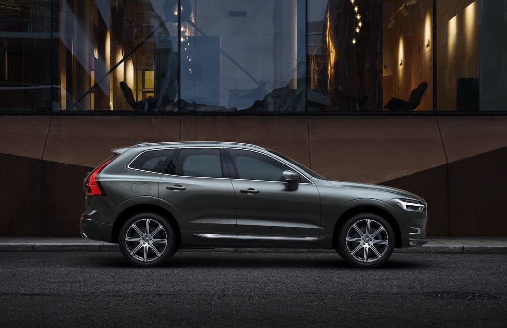 2021 Volvo XC60 side
