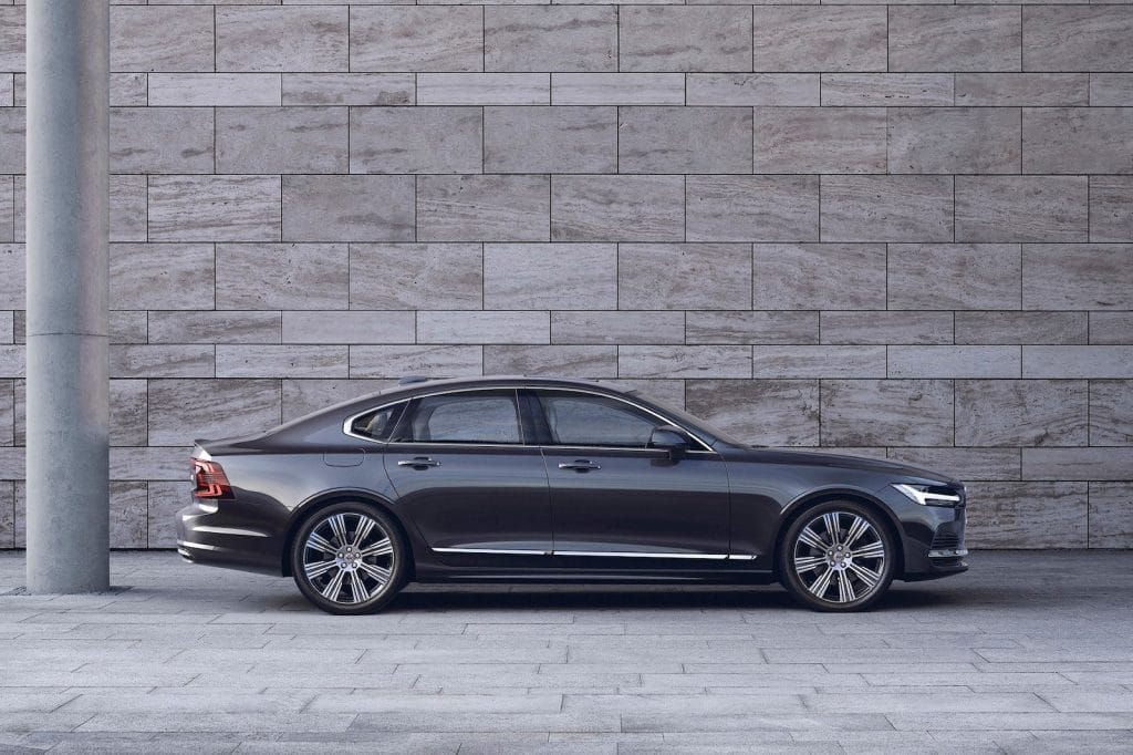 2021 Volvo S90 T8 Recharge side
