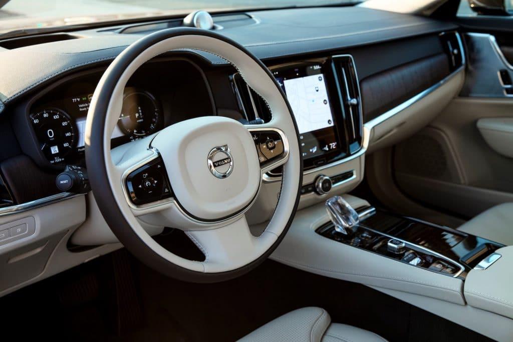 2021 Volvo S90 T8 Recharge cockpit