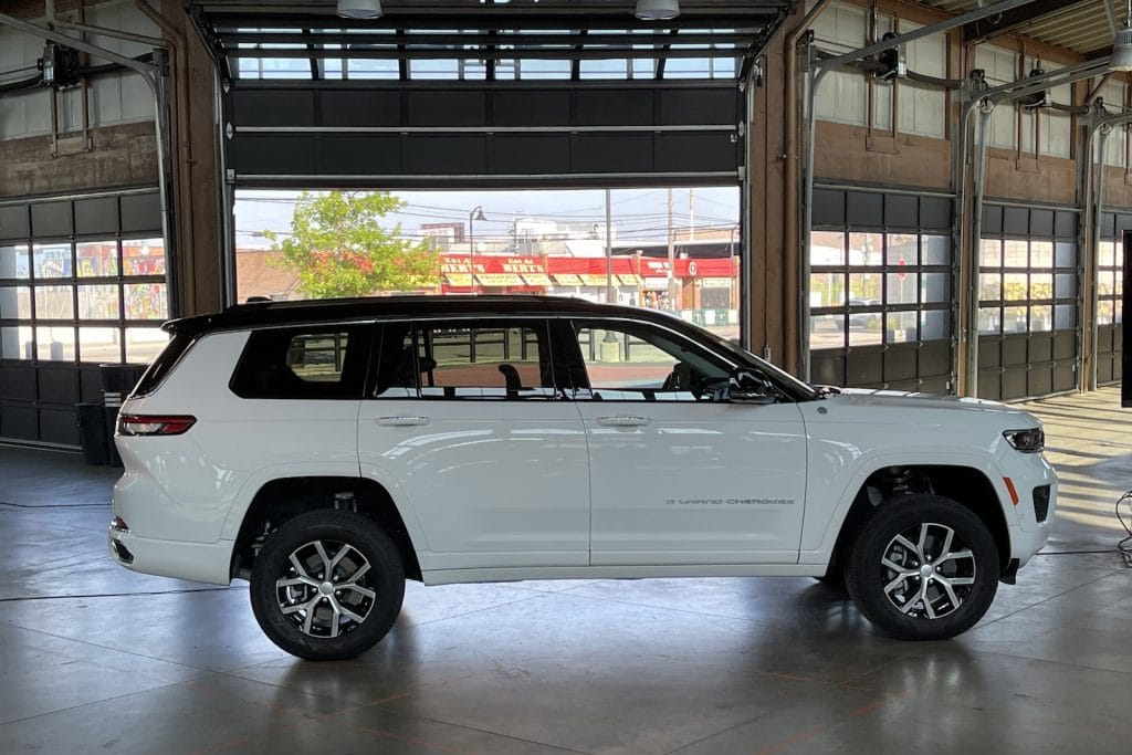2022 Jeep Grand Cherokee L side @ event