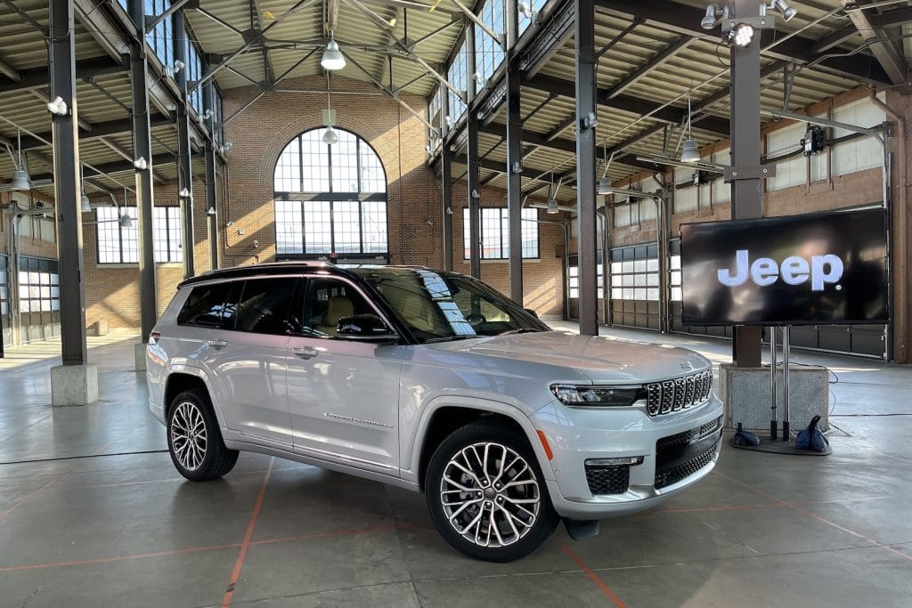 2022 Jeep Grand Cherokee silver best