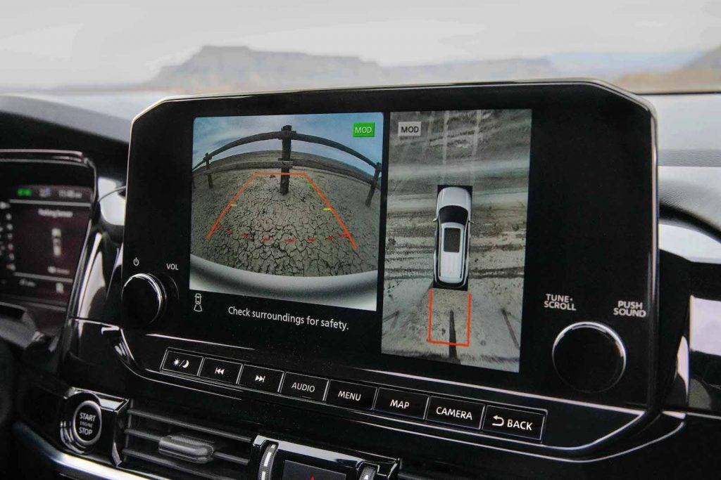 2022 Nissan Pathfinder camera view