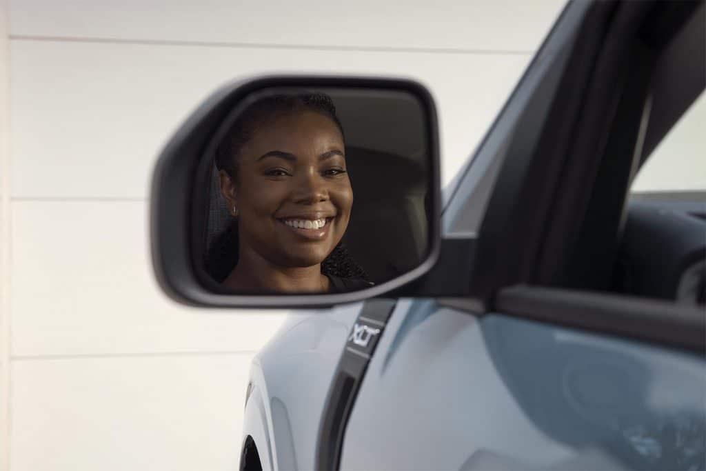 Ford Maverick - Gabrielle Union in Mirror