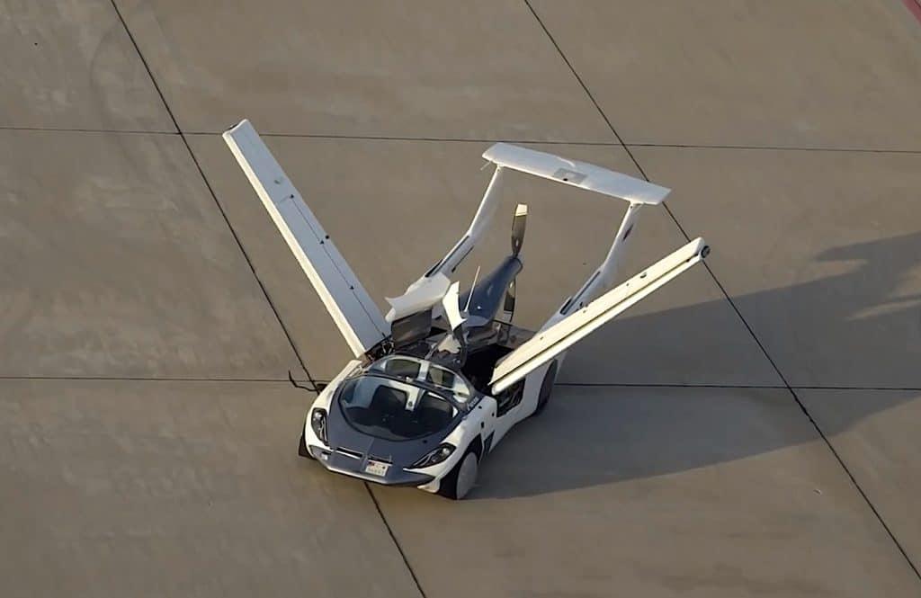 AirCar transitions plane to car